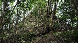Sept cnn lagunita estructura piramidal campeche mayas